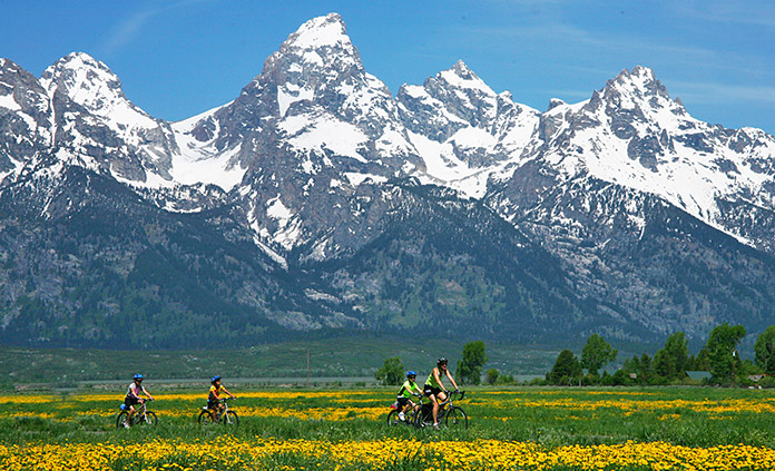 Yellowstone and Tetons Multi-Adventure national park tours