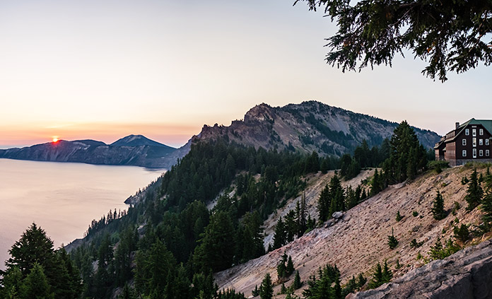 Oregon: Crater Lake Walking & Hiking Tour