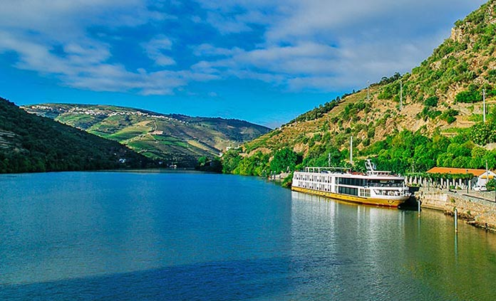 Douro River Cruise Walking and Hiking Tour