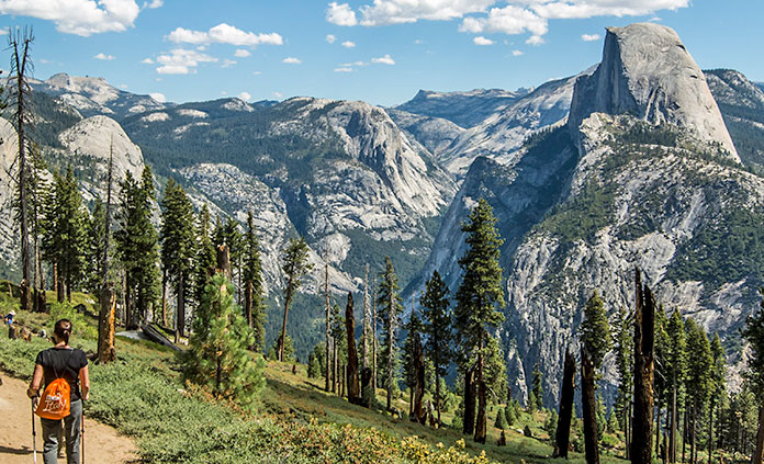 Yosemite walking and hiking tour