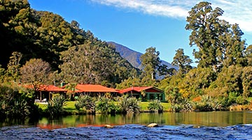 Lake Moeraki Wilderness Lodge