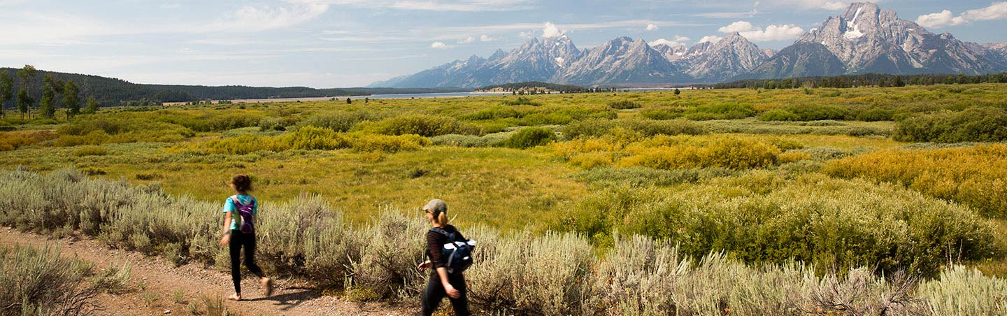 Hiking on Backroads Yellowstone & Tetons Wildlife Safari Family Tour
