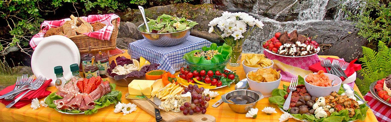 Picnic lunch - Backroads Ireland Family Breakaway Walking & Hiking Tour