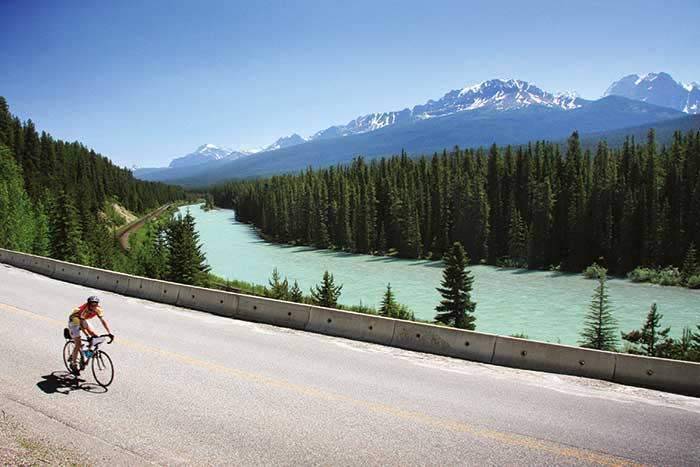 Cycling Bow Valley Parkway, Banff