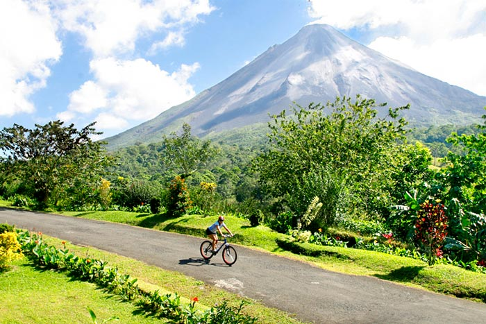 Costa-Rica-Biking