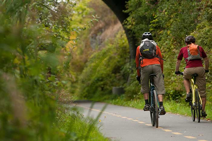 Biking - Backroads Victoria, Vancouver Island & Gulf Islands Multisport Tour