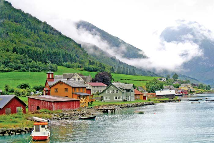 Norway family walking and hiking tours