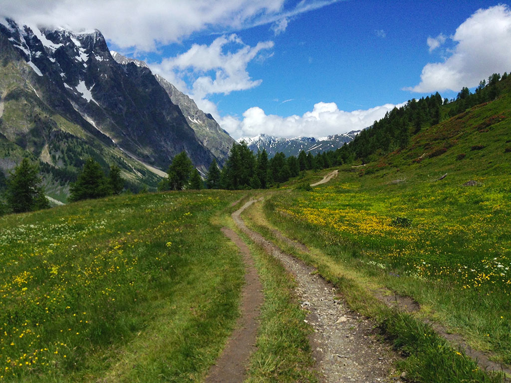 Hiking French Alps | Italian Alps Hiking Tours | Backroads