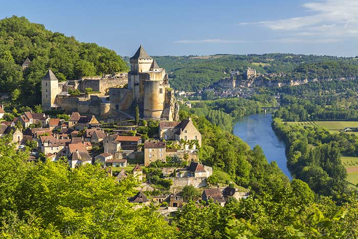 Bordeaux & Dordogne Family Bike Tour - 20s & Beyond | Backroads