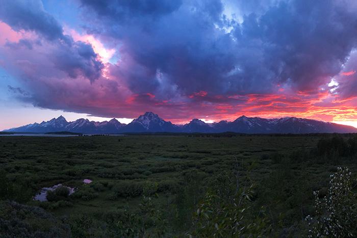 Big Sky, Yellowstone & Tetons Family Multi-Adventure Tour - 20s & Beyond