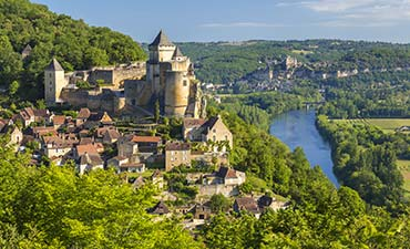 Bordeaux & Dordogne Family Bike Tour - 20s & Beyond | Backroads